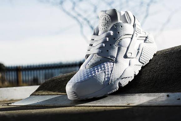 Nike Air Huarache Whiteout