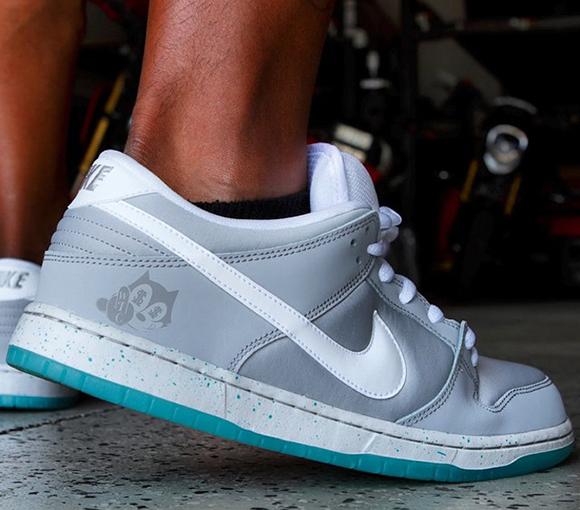 Nike Dunk SB Low Air Mag