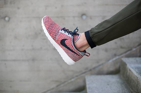 Nike Flyknit Roshe Run Bright Crimson Anthracite