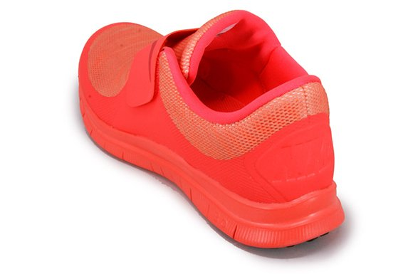 Nike Free Socfly Bright Crimson