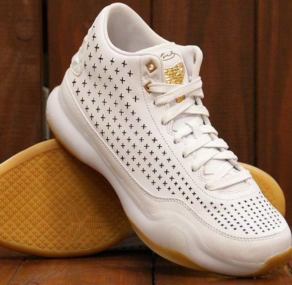 low priced 8e216 571a5 Nike Kobe 10 EXT Mid White Gum low-cost