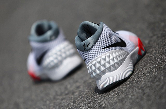 Nike Kyrie 1 Infrared