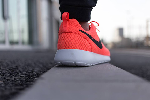 Nike Roshe Run Breeze Hot Lava