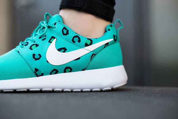 Nike Roshe Run Print Womens Teal Leopard