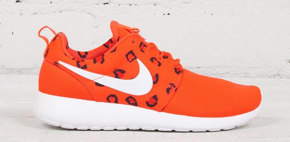 d2ac623610c2e7 Nike Roshe Run Women s  Leopard Print  Pack