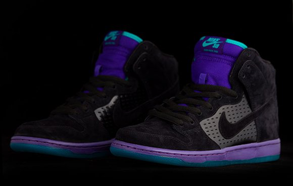 Nike SB Dunk High Grape