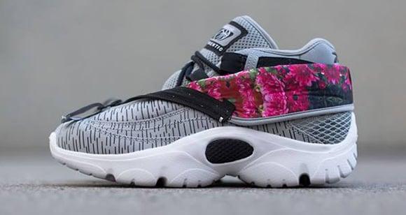 8c5421b95532 Reebok Shroud  Floral Flat Grey
