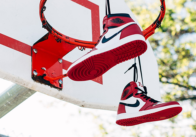 Air Jordan 1 Retro High OG Chicago Releasing Weekend