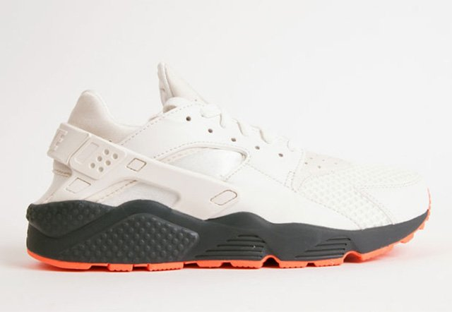 Nike Air Huarache White Charcoal Bright Crimson