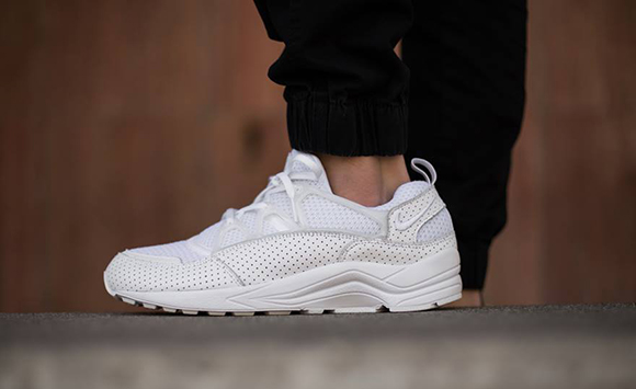Nike Air Huarache Triple White Release