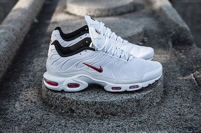 site réputé 35fd7 97a23 Nike Air Max Plus (Tuned 1) 'Viper' | SneakerFiles