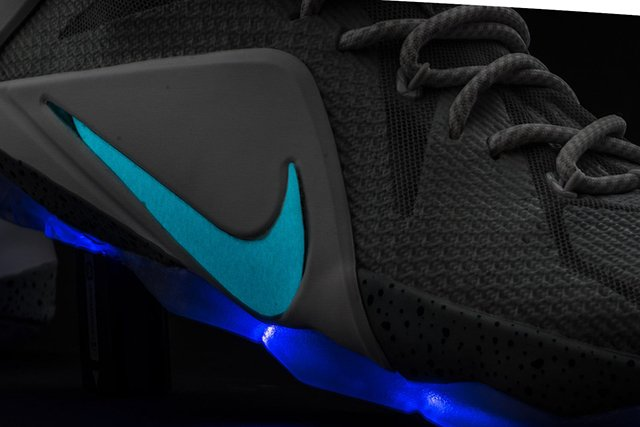 nike-lebron-12-air-mag-custom-3