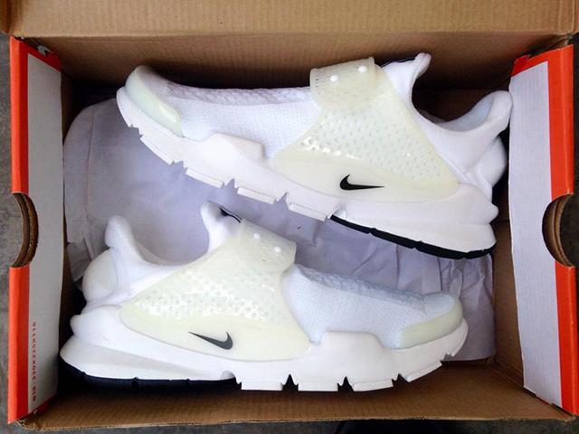 Nike Sock Dart Whiteout Detailed Look