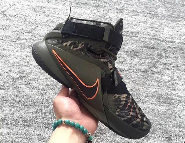 6a27e9f2f760 Nike Zoom Soldier 9 Camo