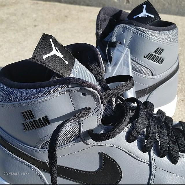 Air Jordan 1 Rare Air Wolf Grey