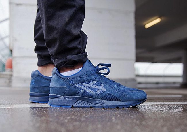 asics gel lyte 5 navy on feet