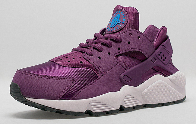outlet store sale 71e78 aa8d4 Nike Air Huarache Womens Mulberry | SneakerFiles