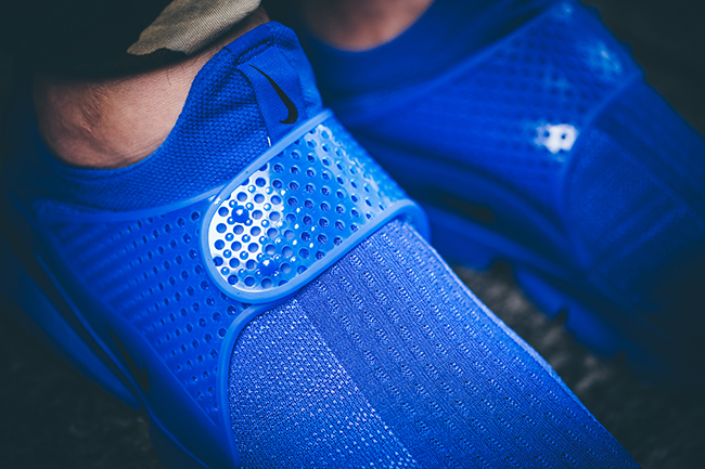 Nike Sock Dart Independence Day Blue On Feet