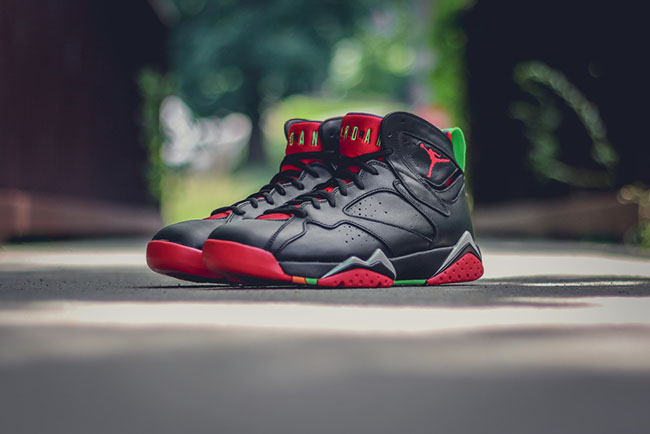 Air Jordan 7 Marvin the Martian Retro