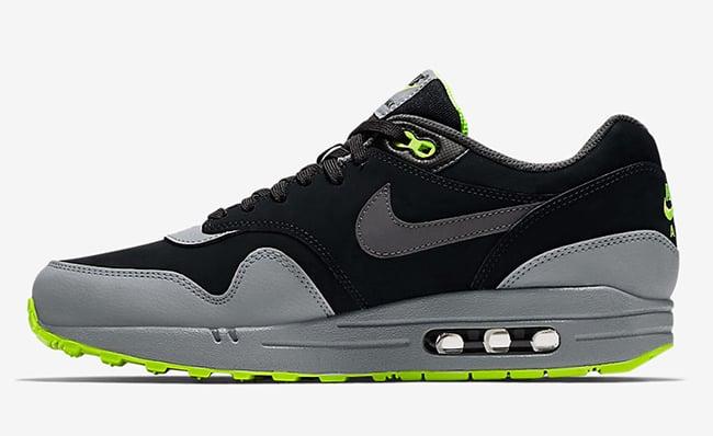 Nike Air Max 1 Neon