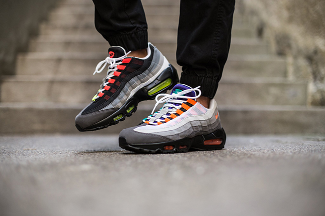Nike Air Max 95 Black On Feet
