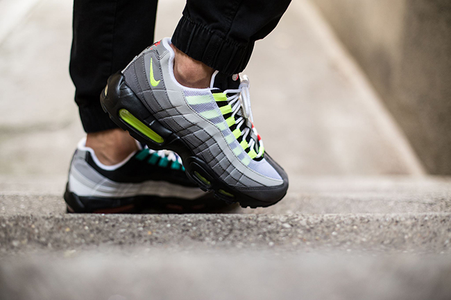 Air Max 95 Greedy On Foot