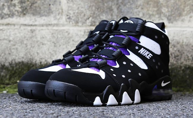 nike air max2 cb 34 black&white background