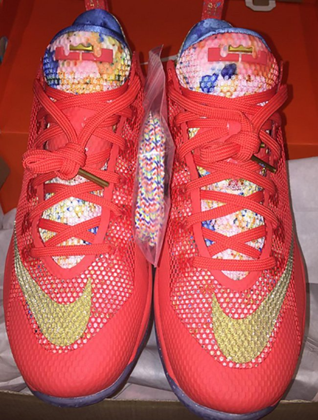 Nike LeBron 12 Low Trainwreck