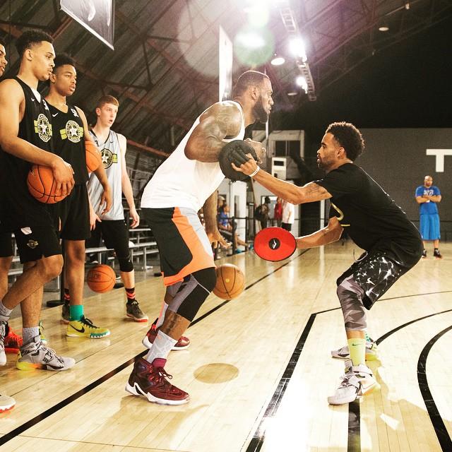 Nike LeBron 13 Cavs