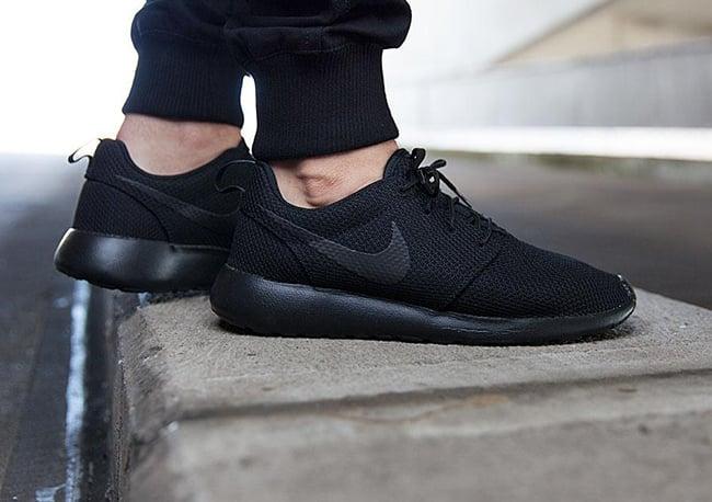 Nike Roshe One Triple Black | Gov
