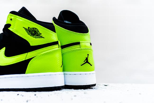 Air Jordan 1 High GS Ghost Green