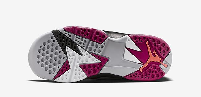 Air Jordan 7 GS Fuchsia Flash