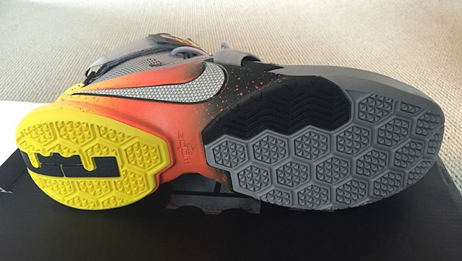 Nike LeBron Soldier 9 The Academy Warhawk