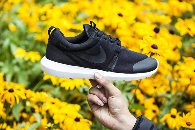 Nike Roshe Run NM Black Fleece