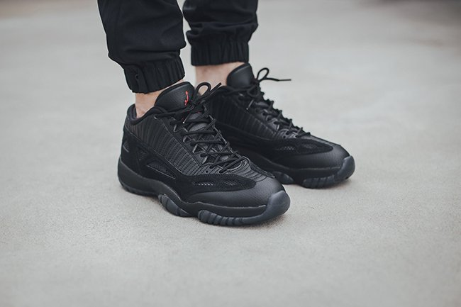 Air Jordan 11 IE Low Referee On Feet