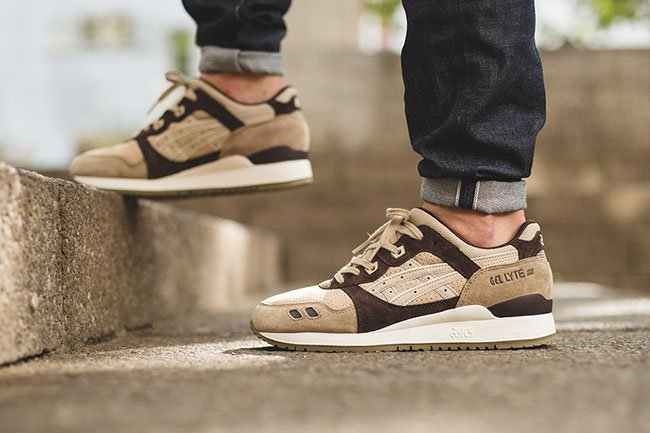 Asics Gel Lyte III Coffee On Feet
