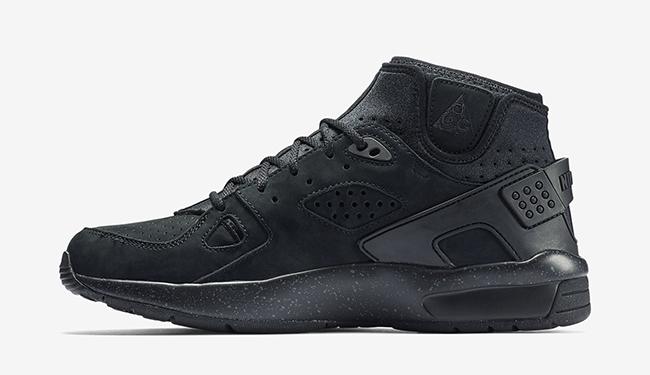 Blackout Nike Air Mowabb OG