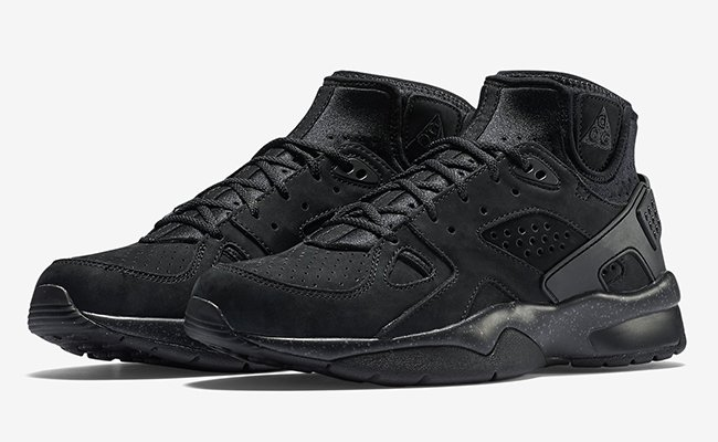 Blackout Nike Air Mowabb OG