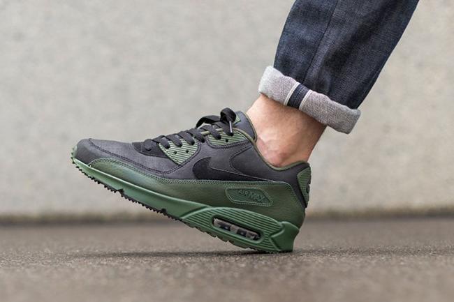 best loved ffea6 43335 Nike Air Max 90 Winter Premium Carbon Green | SneakerFiles