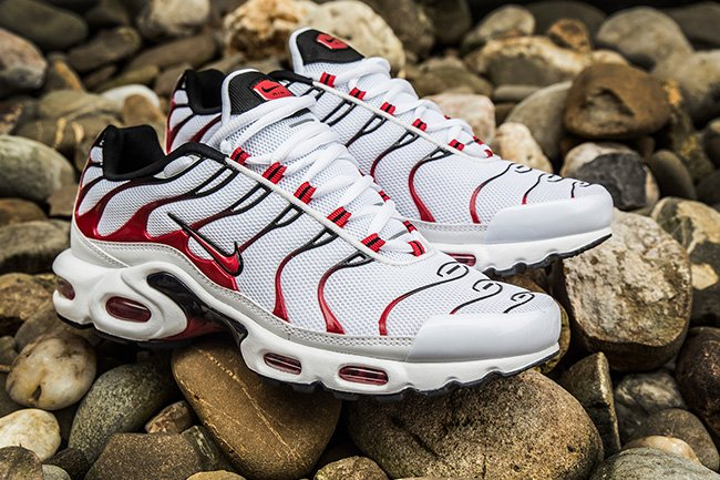 868a64fbdd934d Nike Air Max Plus Tuned 1 Kombat