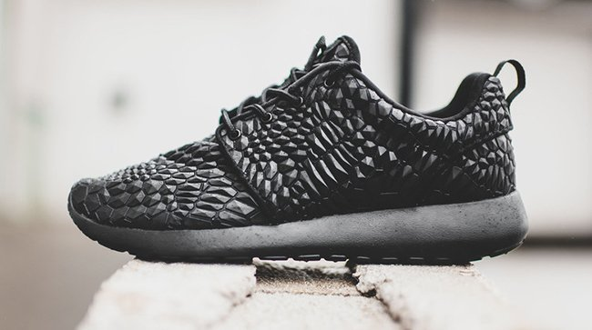 a8e94691cfd9 Nike Roshe One DMB Triple Black