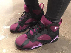 Air Jordan 7 GS Mulberry Black Fuchsia Glow