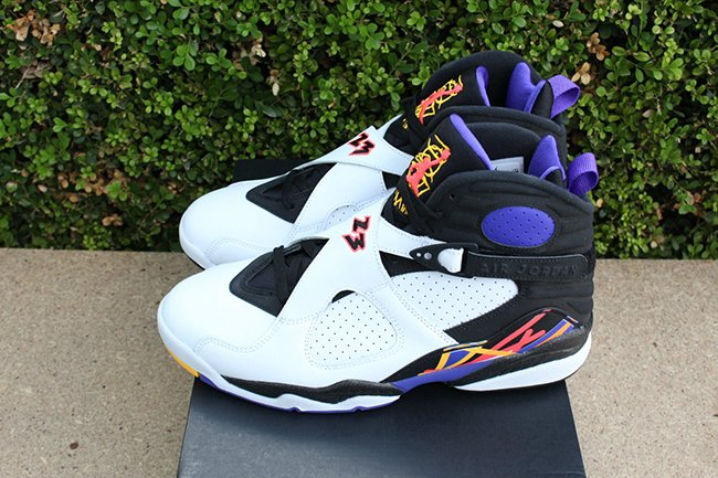Air Jordan 8 Three Peat Retro