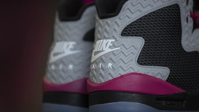 Jordan Air Spike 40 Girls Black Silver Sport Fuchsia