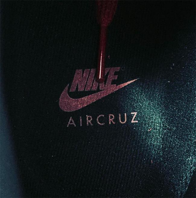 Red October Nike Air Cruz
