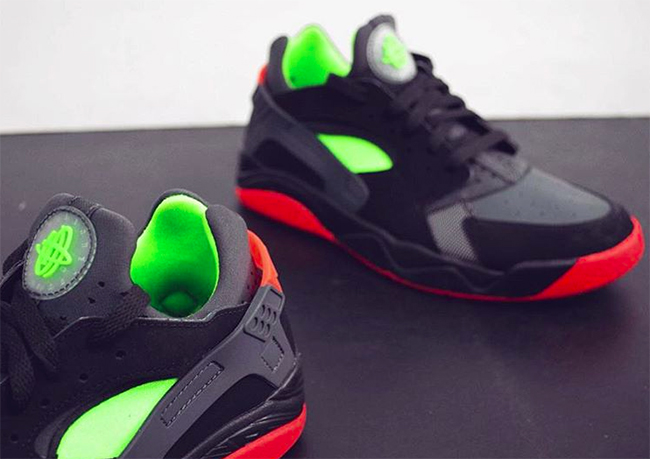 Nike Air Flight Huarache Low Black Red Green