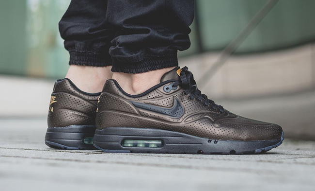 new styles dad18 196dc on sale Nike Air Max 1 Ultra Moire Metallic Gold