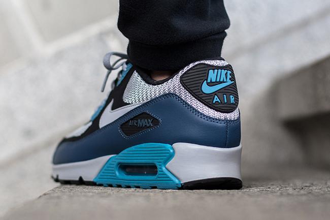 Nike Air Max 90 Essential Squadron Blue Wolf Grey