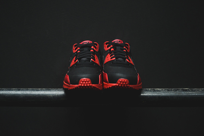 the latest 629e3 965dc Nike Air Max 90 Winter Premium Gym Red Black