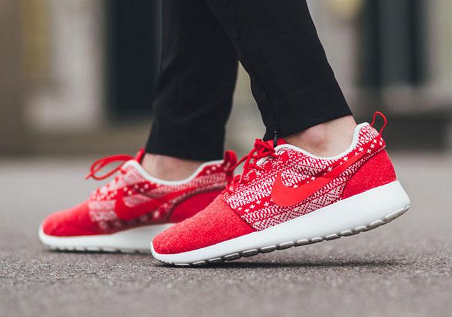 Nike Roshe One Winter Christmas Sweater Red
